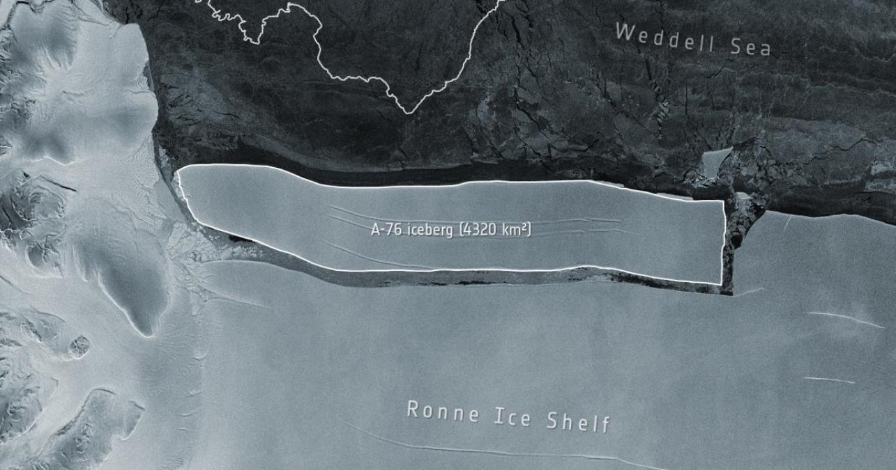 Dünya'nın en büyük buz dağı Antarktika'dan kopup sürüklenmeye başladı