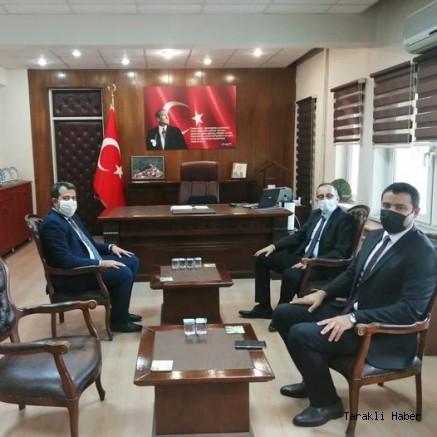 Geyve Kaymakamı Mustafa Kutlu'dan Taraklı Kaymakamı Özgür Kaya'ya Ziyaret