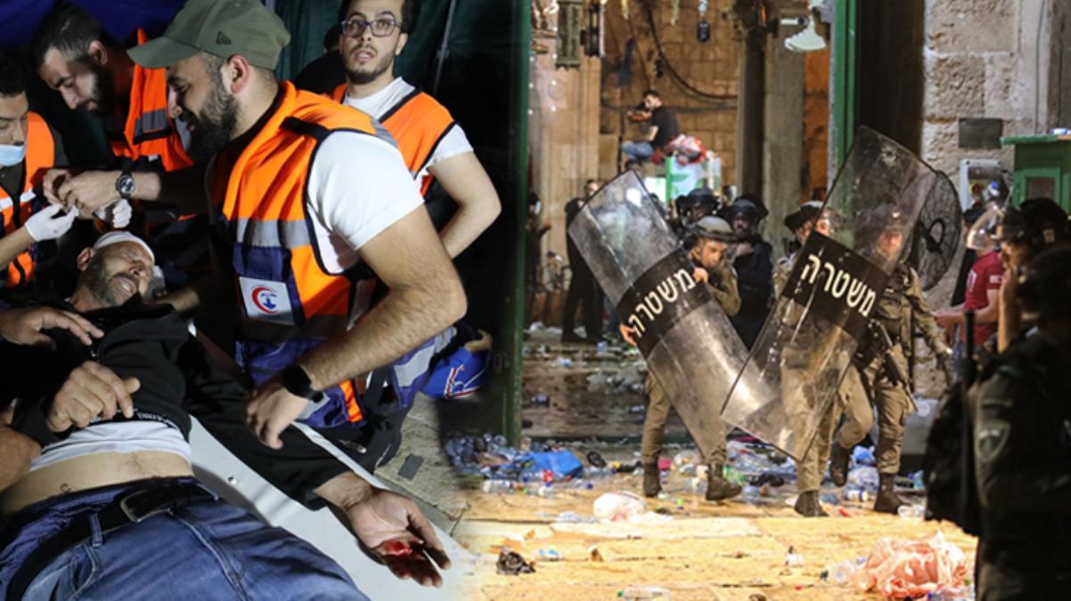 İsrail polisinden Mescid-i Aksa'da namaz kılan cemaate saldırı: 205 yaralı