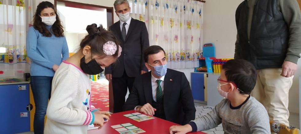 Kaymakam Küçük Yüzyüze Eğitime Başlayan okulları ziyaret etti