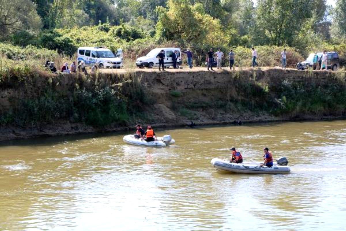 Nehirde kaybolan Muhammet Talha'yı arama çalışmaları sürüyor
