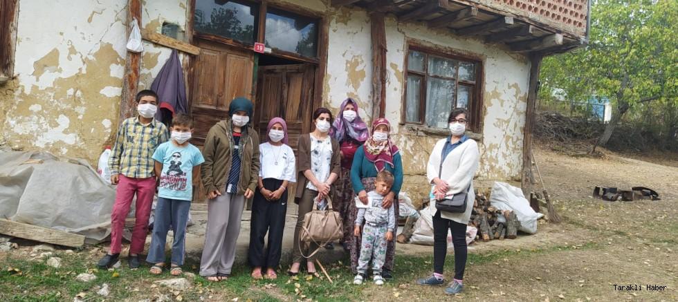 Taraklı'da CHP'li Kadınlar İhtiyaç Sahiplerinin Yanında